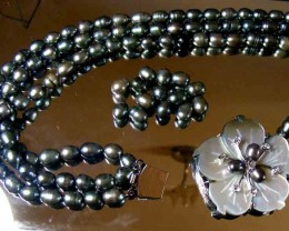 BLACK HUES PEARL NECKLACE PLUS 12 FREE PEARLS 90693