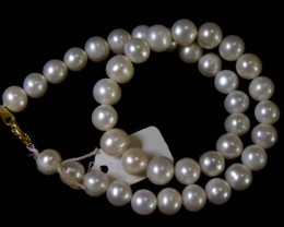 302 CTS IVORY  FRESH WATER PEARL  NECKLACE  STRAND   11 145