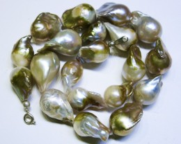 Golden Fresh water Pearl necklace Bu 974