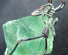 NATURAL FLUORITE CRYSTAL WIRE WRAPPED 32.45 CTS [GT431 ]