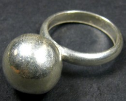 12 MM BALL  THAI HILL TRIBE SILVER RING  SIZE 9  GTT 1293
