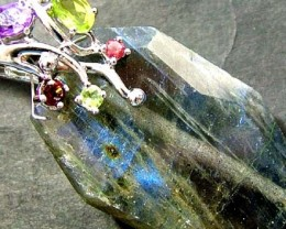 LABRODITE PENDANT WITH 5 NATURAL STONES 69.90 CTS [GT1461]