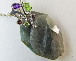 Labradorite and Gemstone Pendant   MJA 315