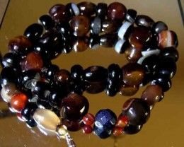 BROWN AND BLACK AGATE BEADS  NECKLACE
