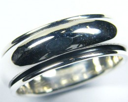 POPULAR  STYLISH  SILVER RING  SIZE 10.5  GTT 1692