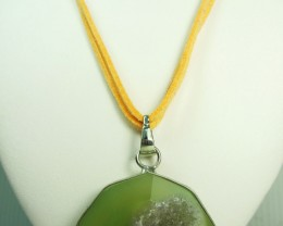 GREEN CRYSTAL DRUSY AGATE  PENDANT   QT394