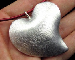 LARGE  HILL  TRIBE SILVER HEART PENDANT   92 CARATS GGR 107
