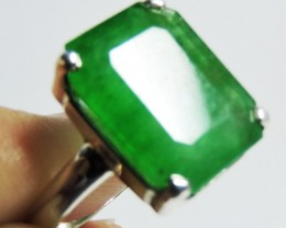 Emerald Like Gemstone  in Silver Ring size  8 JGG 135