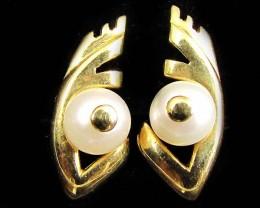 18 K GOLD  PEARL  EARRINGS LGN 905