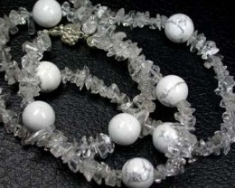 QUARTZ CRYSTAL & WHITE HOWLITE JEWELLERY SET 350 CT RA638