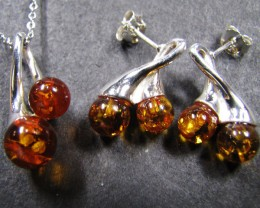 BALTIC AMBER SILVER PENDANT AND EARRING TCW  44.6 MYG291