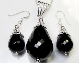 BLACK ONYX EARRINGS N PENDANT  RT 147