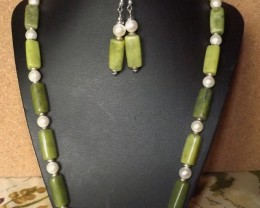 NEW..24 INCH LONG GREEN JADE AND PEARL NECKLACE