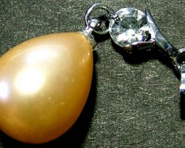 GOLD PEARL PENDANT 18.15 CTS [PF265]