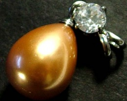 GOLD PEARL PENDANT 19.70 CTS [PF290]