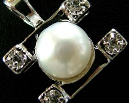 NATURAL  PEARL PENDANT -MODERN DESIGN   17.75 CTS [PF 1078]