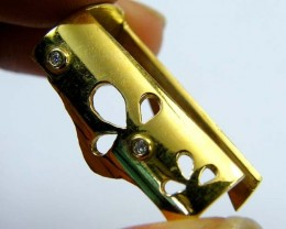 Estate jewellery 18 k gold stamped hallmark 750 TB23