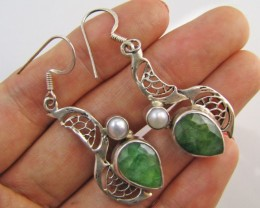 42Cts  Emerald & pearl  set in silver eEarrings  MJA 1224