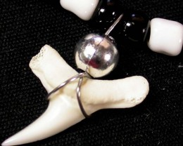 SHARK TOOTH -ADJUSTABLE STRAP 7.00 CTS [SJ683]