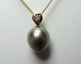 Tahitian Black Pearl 18k Yellow Gold & Diamond Pendant