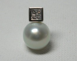 South Sea Australian Pearl and Diamond 18k White Gold Pendant