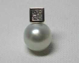 South Sea Australian Pearl and Diamond 18k White Gold Pendant