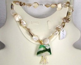 Necklace LK0629 (a) GREEN JADE WITH PEARLS