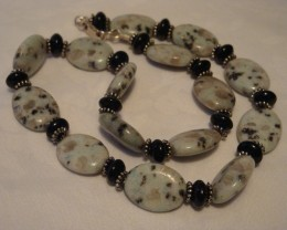 18 INCH SESAME SEED JASPER AND ONYX NECKLACE