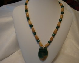 MIXED STONE BEAD NECKLACE