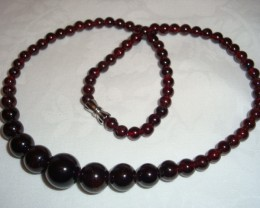 BEAUTIFUL DEEP GARNET GRADUATED NECKLACE