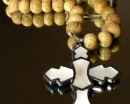 ANTIQUE SILVER SHELL CROSS 90493