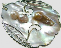PEARL SHELL PENDANT 71 CTS [MX1652 ]