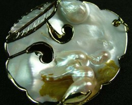 PEARL SHELL PENDANT 85 CTS [MX2026 ]