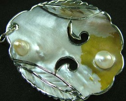 PEARL SHELL PENDANT 59 CTS [MX2045 ]