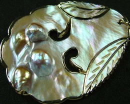 PEARL SHELL PENDANT 77 CTS [MX2049 ]