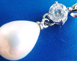 WHITE PEARL PENDANT  13 X 10 MM  14CTS [PF716]