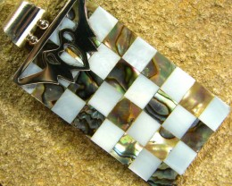 INLAYED MOTHER OF PEARL SILVER PENDANT 39.50 CTS [SJ308]