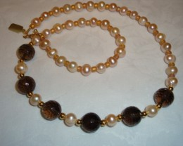 NEW -- 18 INCH FRESHWATER PEARL NECKLACE WITH SMOKEY QUARTZ