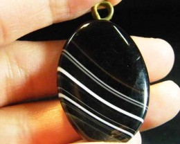 BLACK N WHITE BANDED   AGATE PENDANT 47 CTS  ST 194