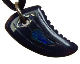 REPLICA DINO TOOTH CARVING -INLAYED PENDANT 7.85CTS [GT1475]