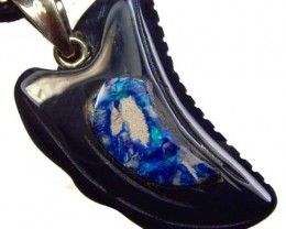 REPLICA DINO TOOTH CARVING -INLAYED PENDANT 7.15CTS [GT1477]