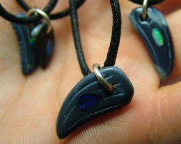 REPLICA DINO TOOTH CARVING -INLAYED PENDANT 43.CTS [GT1485 ]
