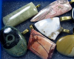 8 MIXED GEMSTONE PENDANTS-RE SELLERS PARCEL   MYGM 515