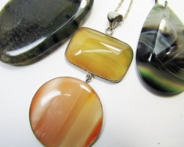 300 Cts Three Good Pattern  Agate Pendant     MJA 888
