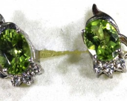 9.37 CTS PERIDOT EARRINGS SG-1327