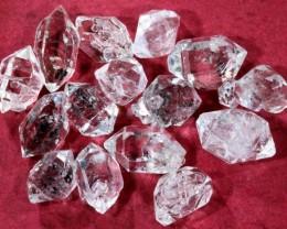11 CTS QUARTZ LIKE HERKIMER DIAMOND PARCEL LG-1379