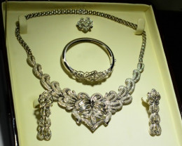 155gm~18K White Gold~17ct Diamonds Set~RRP 18000.00