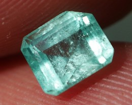 BEAUTY COLOR COLOMBIAN EMERALD 0.60 CRT