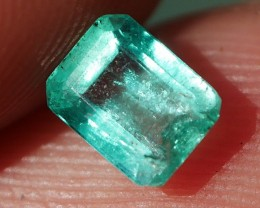 BEAUTY COLOR COLOMBIAN EMERALD 0.50 CRT