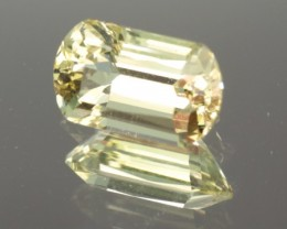 1.96 CT YELLOW-GREEN APATITE - MASTER CUT!  FLAWLESS!